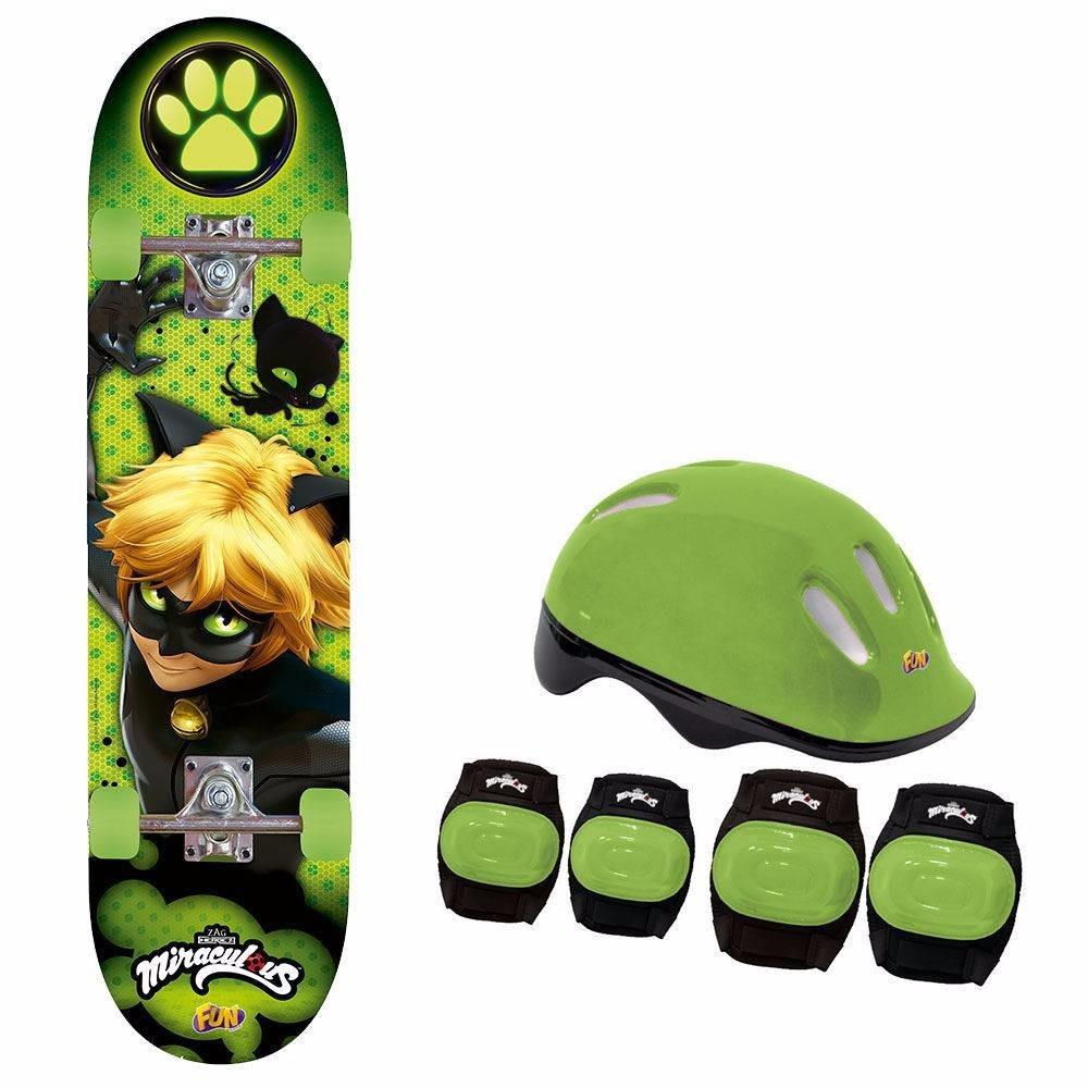 Skate Miraculous Cat Noir com Acessorios  - Fun